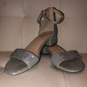 Vince Camuto girls shoes